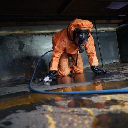 Tankreinigung unter Vollatemschutz