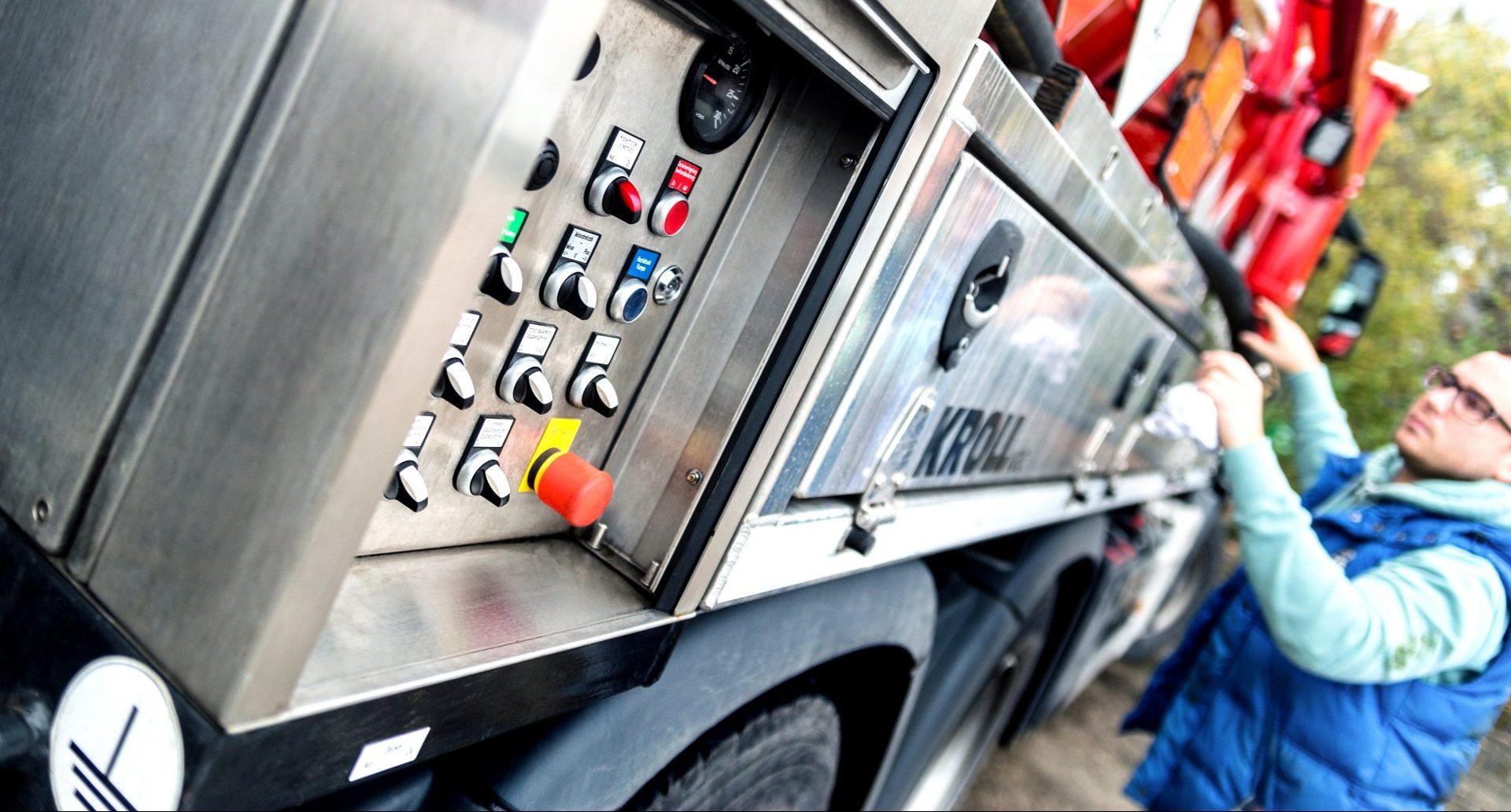 Bedienelemente Saug-/Druckfahrzeug